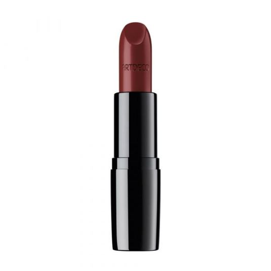 dip into the beauty of wilderness perfect color lipstick
