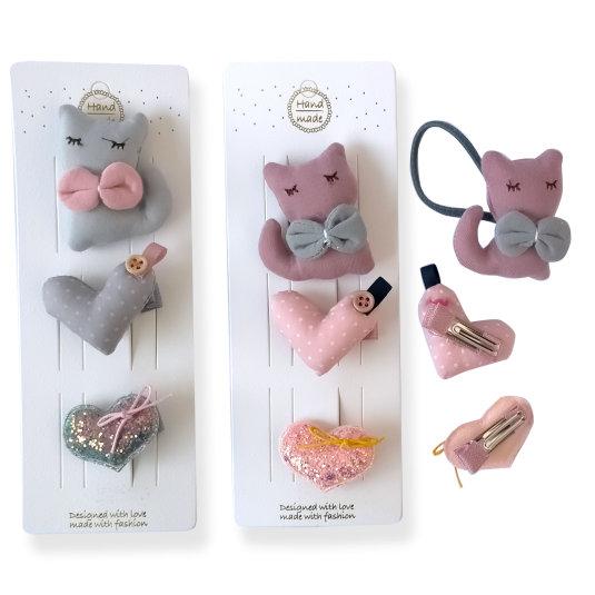 set 2 clips corazones de tela + 1 coletero gatito